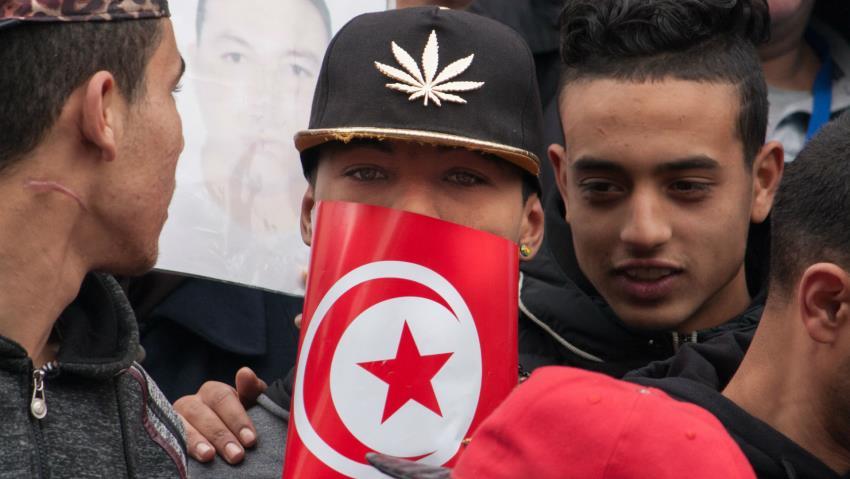 Increíble: Condenan a 30 años de cárcel a tres jóvenes por consumo de cannabis en Túnez
