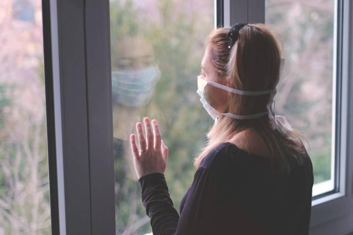 Recomendaciones para cuidar su salud mental en caso de contagiarse con COVID-19