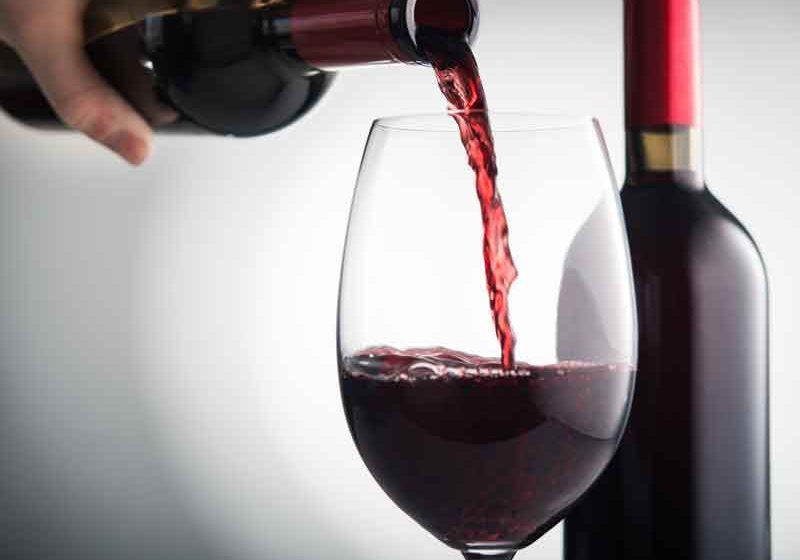¿Una copa de vino al día? Las consecuencias del alcohol en tu salud