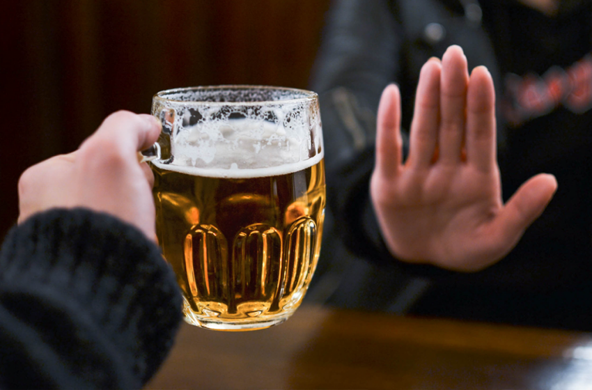 Esto es lo que le pasa a tu ánimo y a tu cerebro cuando dejas el alcohol por completo